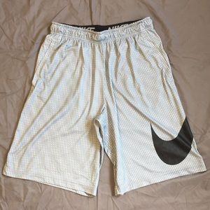 Nike Dri-Fit Performance Basketball Shorts: Large